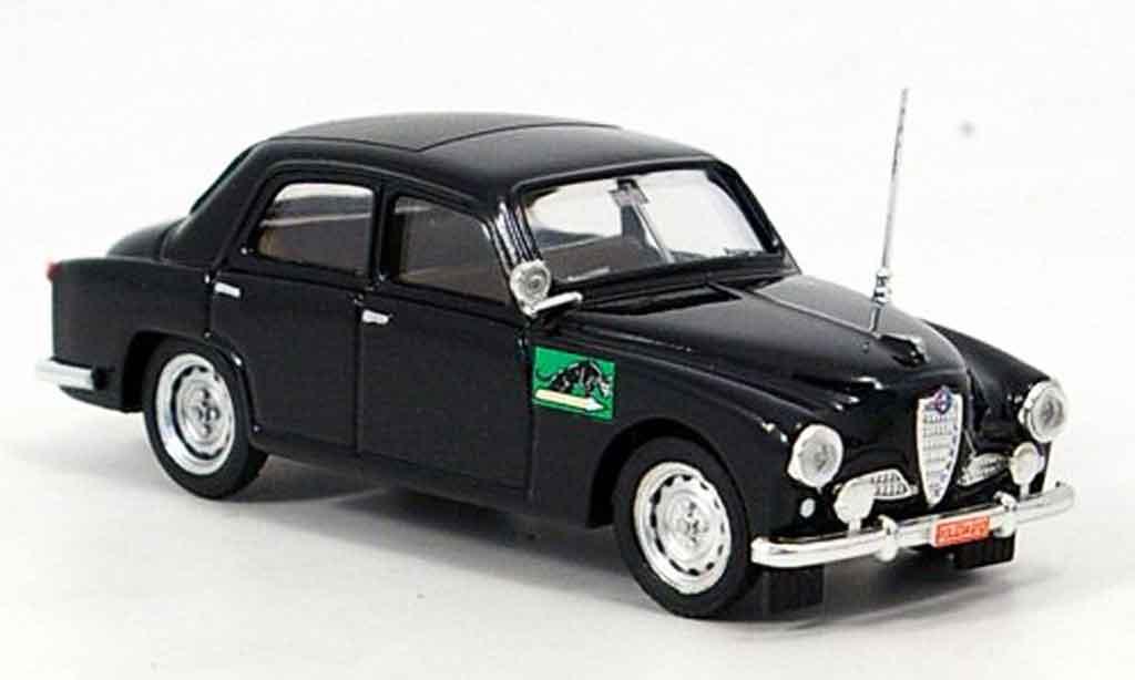 Alfa Romeo 1900 1/43 Brumm police italien 1954 miniature