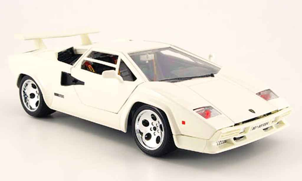 lamborghini countach 5000 quattrovalvole white burago diecast model car 1 18. Black Bedroom Furniture Sets. Home Design Ideas