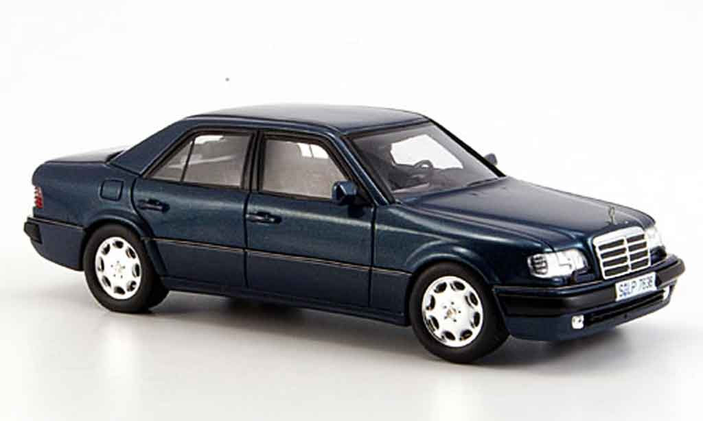 Mercedes 500 E 1/43 Spark E E (W 124) grun miniature