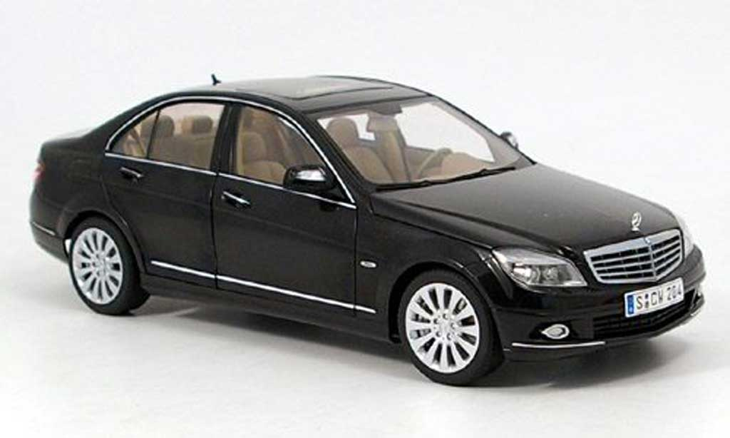 mercedes classe c miniature w204 noire elegance autoart 1 18 voiture. Black Bedroom Furniture Sets. Home Design Ideas