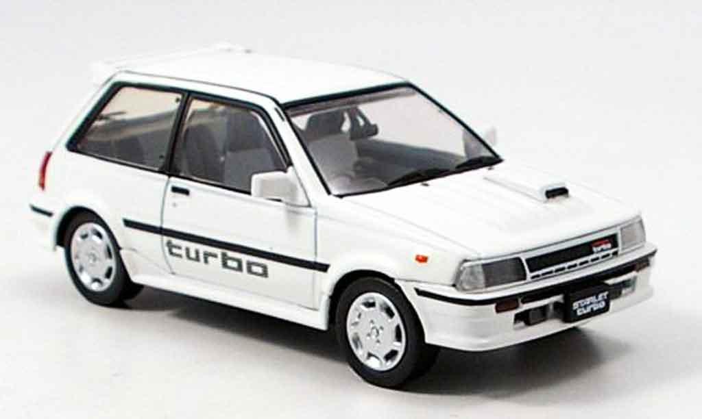 Toyota Starlet 1/43 Aoshima turbo s blanche 1986 miniature