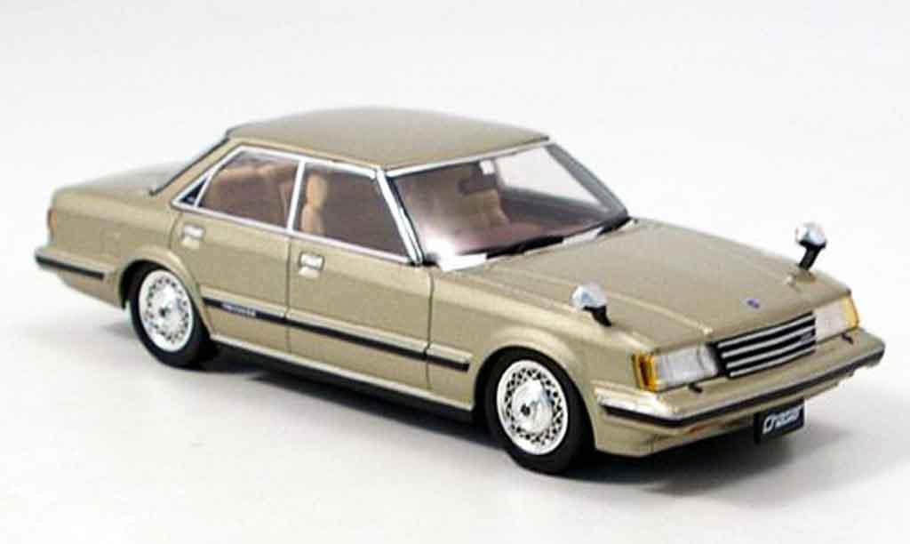 Toyota Chaser 1/43 Aoshima avante twincam 24 beige 1982 miniature