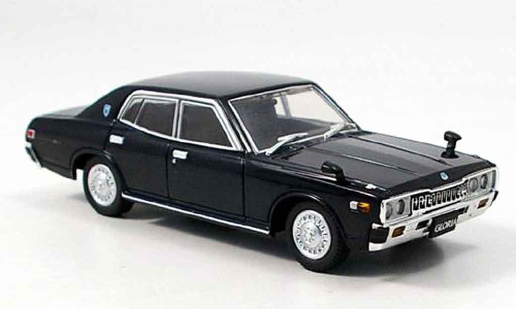 Nissan Gloria 1/43 Aoshima 2000 GL E noire 1977 miniature