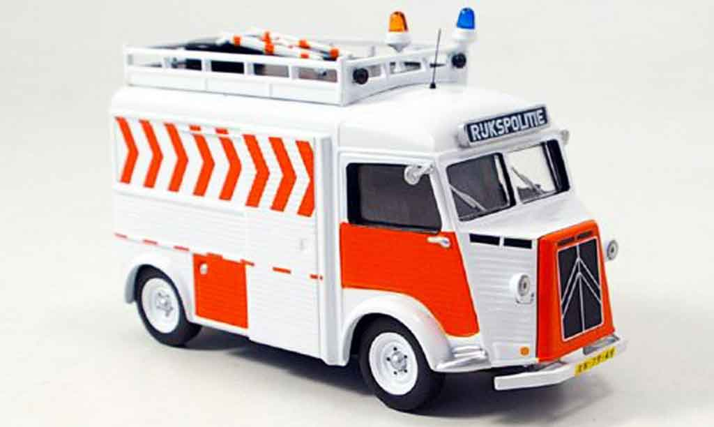 Citroen Type HY 1/43 IXO rukspolitie police holland 1972 miniature