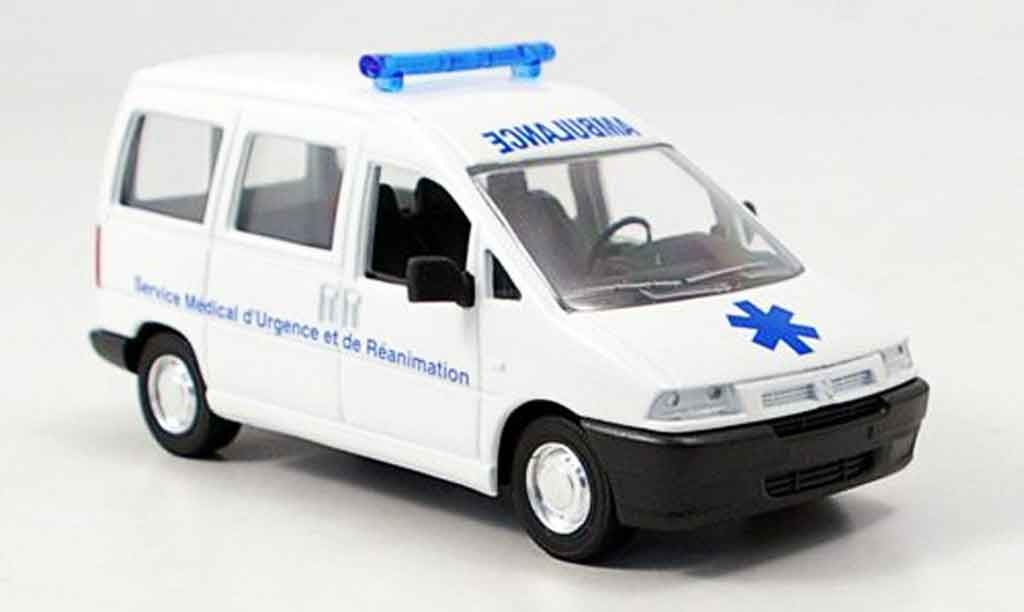 Citroen Jumpy 1/43 Verem ambulanz miniature