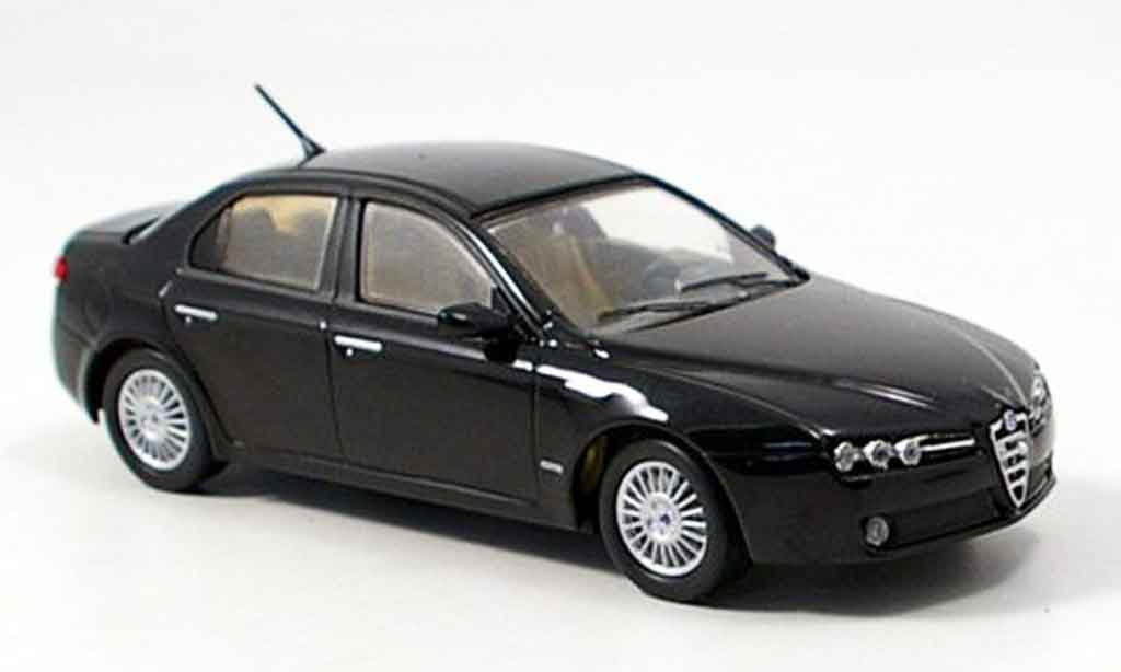 Alfa Romeo 159 1/43 M4 noire 2005 miniature