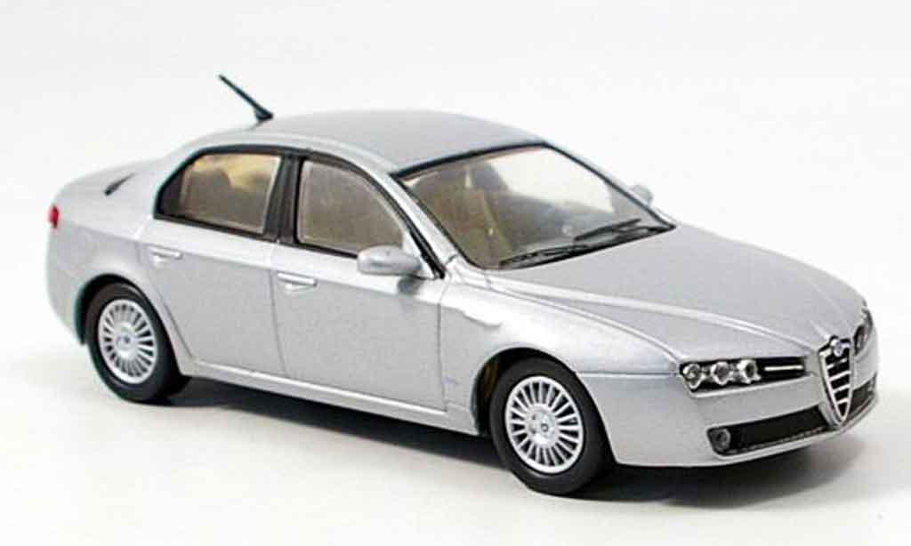 Alfa Romeo 159 1/43 M4 grise metallisee 2005 miniature