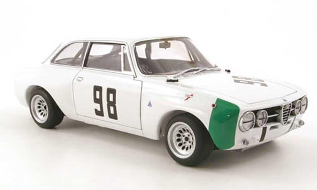 Alfa Romeo Giulia GT Am 1/18 Autoart no.98 hezemans monza 1970 miniatura