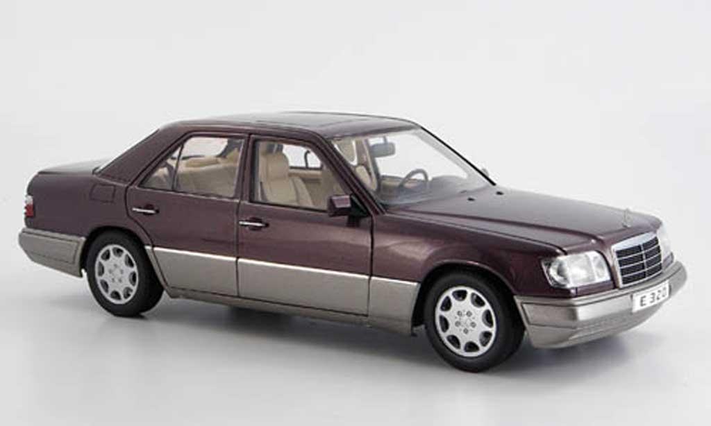 Mercedes Classe E 1/18 Autoart e 320 (w 124) limousine flieder (bornit) 1995 miniature