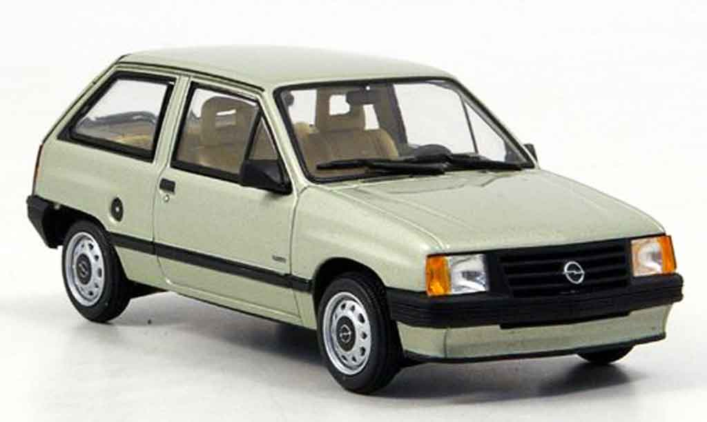 opel corsa miniature a verte minichamps 1 43 voiture. Black Bedroom Furniture Sets. Home Design Ideas