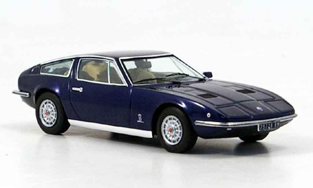 Maserati Indy 1/43 IXO bleu 1972 miniature