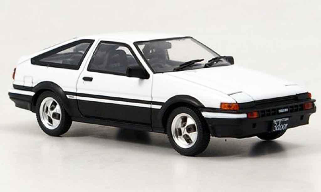 Toyota Trueno 1/43 Ebbro ae 86 blanche miniature