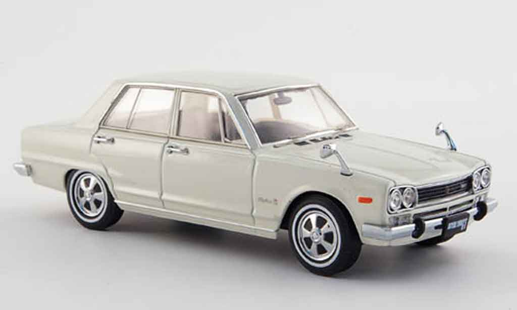 Nissan Skyline 2000 1/43 Ebbro GT (GC10) white 4 Turer 1968 diecast