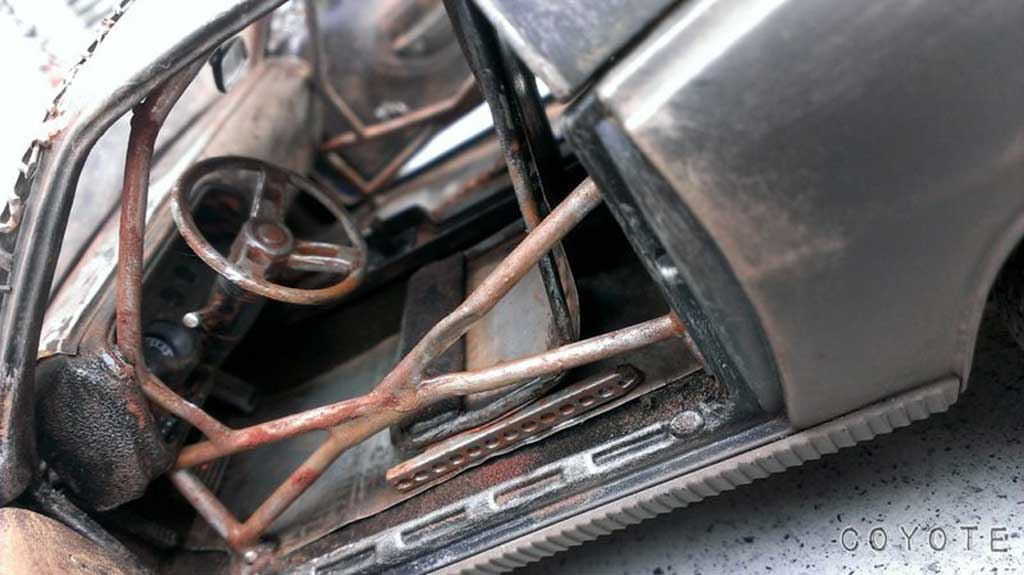 Plymouth Cuda 1/18 Highway 61 Zombie Crusher madmax