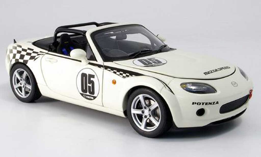 mazda mx5 2006 roadster nr a no 5 weiss autoart modellauto 1 18 kaufen verkauf modellauto. Black Bedroom Furniture Sets. Home Design Ideas
