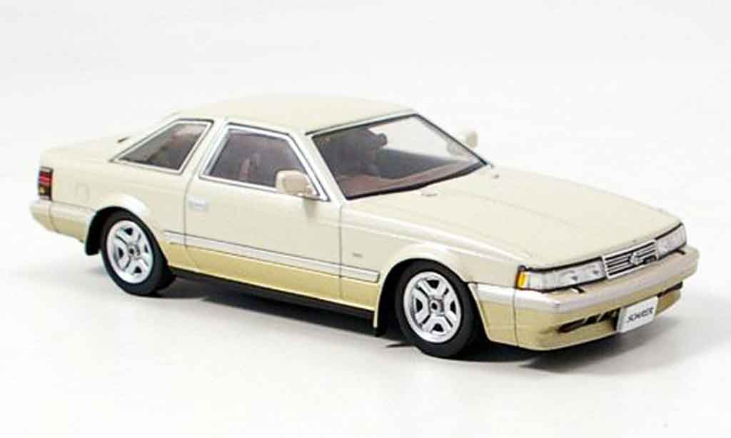 Toyota Soarer 1/43 Aoshima beige miniature