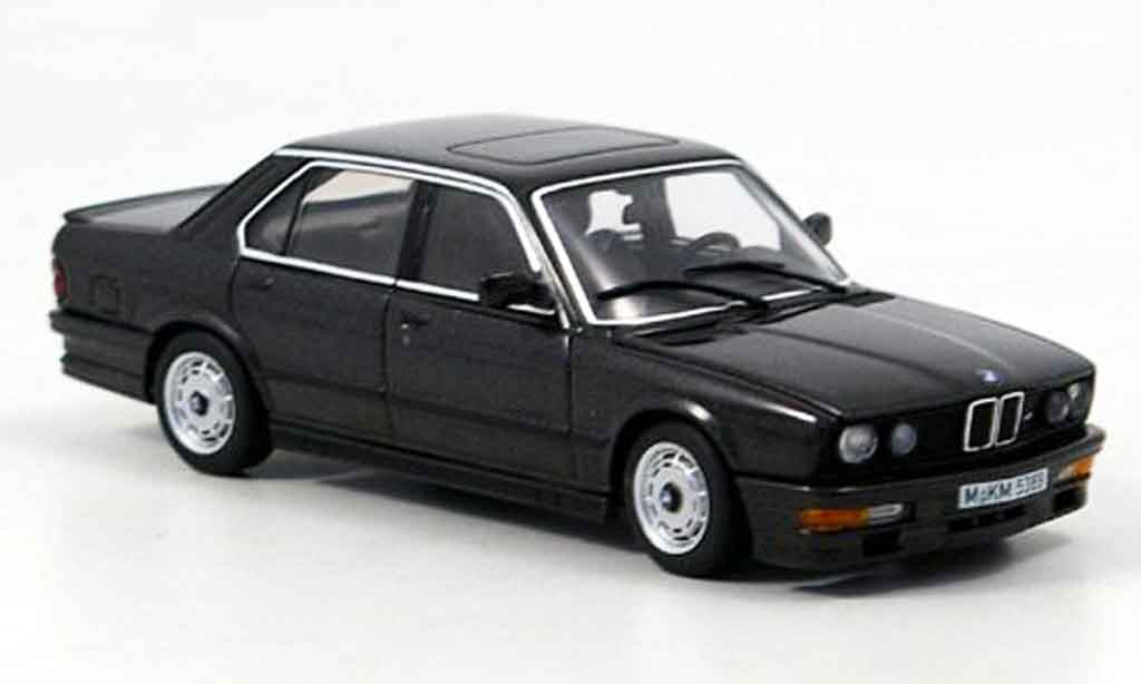 Bmw 535 1/43 Autoart i (E 28) noire 1985 miniature