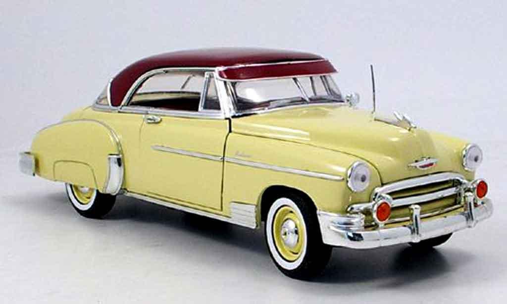 Chevrolet Bel Air 1950 1/18 Motormax beige rouge miniature