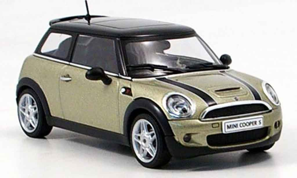 mini cooper s grau metallisee 2006 autoart modellauto 1 43 kaufen verkauf modellauto online. Black Bedroom Furniture Sets. Home Design Ideas