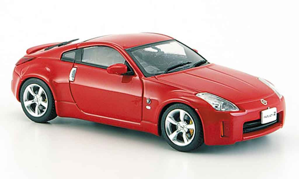 Nissan 350Z 1/43 Ebbro Fairlady rouge Coupe Facelift 2005 miniature