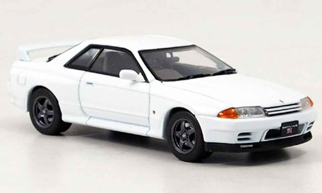 nissan skyline r32 miniature gt r blanche ebbro 1 43. Black Bedroom Furniture Sets. Home Design Ideas