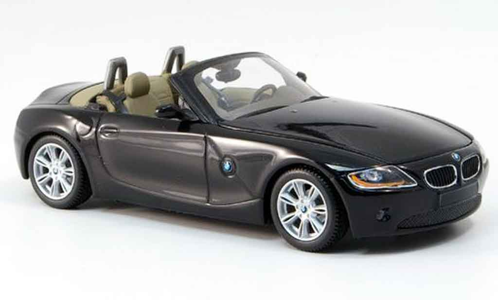bmw z4 e85 miniature noire 2002 minichamps 1 43 voiture. Black Bedroom Furniture Sets. Home Design Ideas