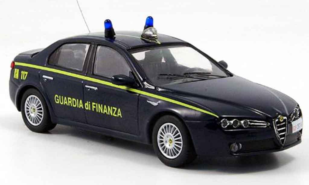 Alfa Romeo 159 1/43 M4 guardia di finanza 2007 miniature