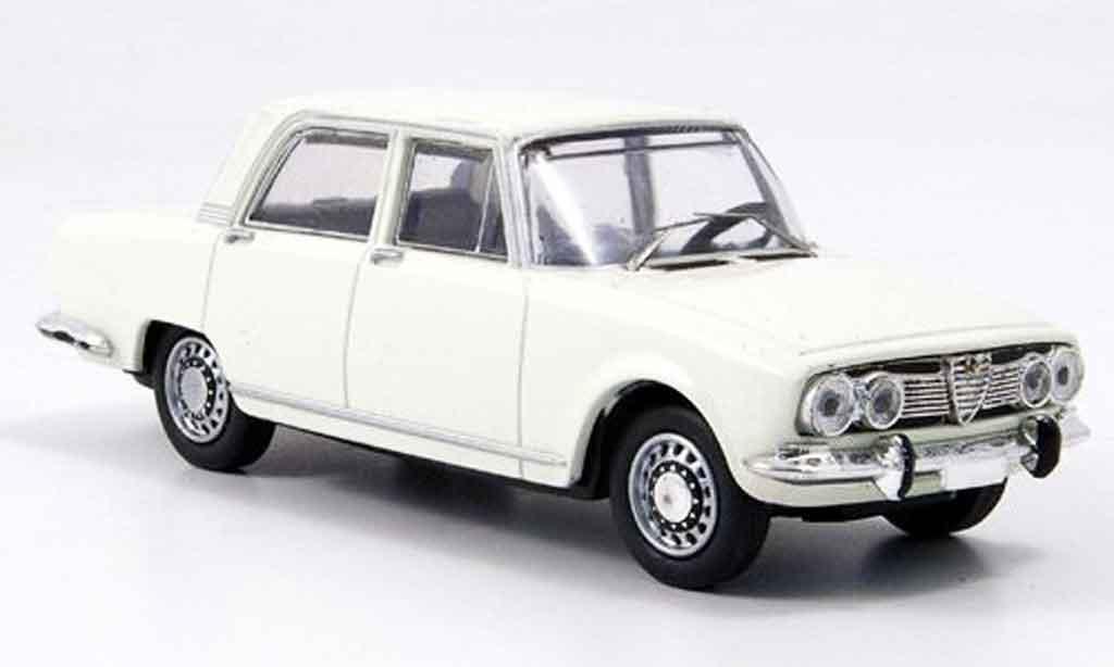 Alfa Romeo 1750 GTV 1/43 M4 blanche 1968 miniature