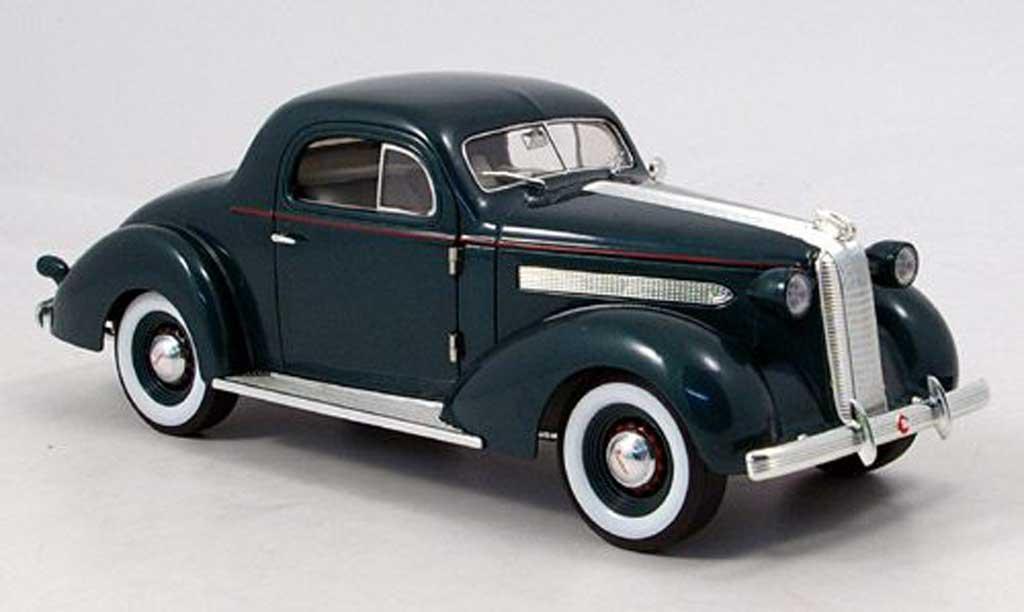 Pontiac De Luxe 1/18 Signature grun 1936 miniature