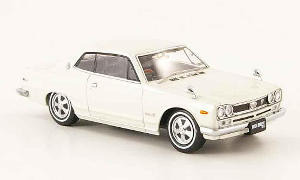 Nissan Skyline 2000 1/43 Ebbro GT (C10) Hardtop blanche 1971