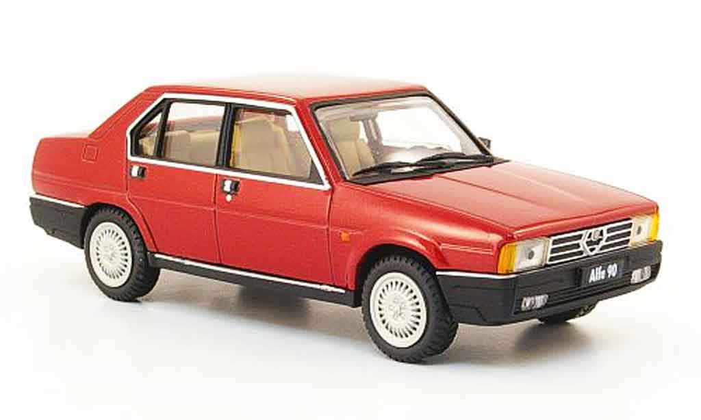 Alfa Romeo 90 1/43 Pego berline rouge 1984 miniature