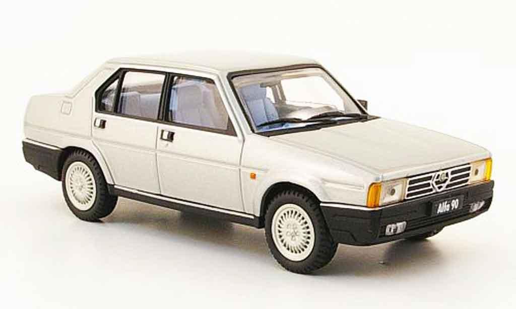 Alfa Romeo 90 1/43 Pego berline grise metallisee 1984 miniature