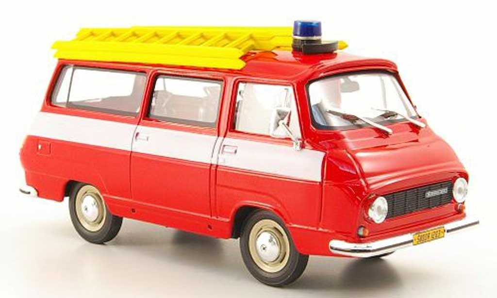 Skoda 1203 1/43 Abrex pompier miniature