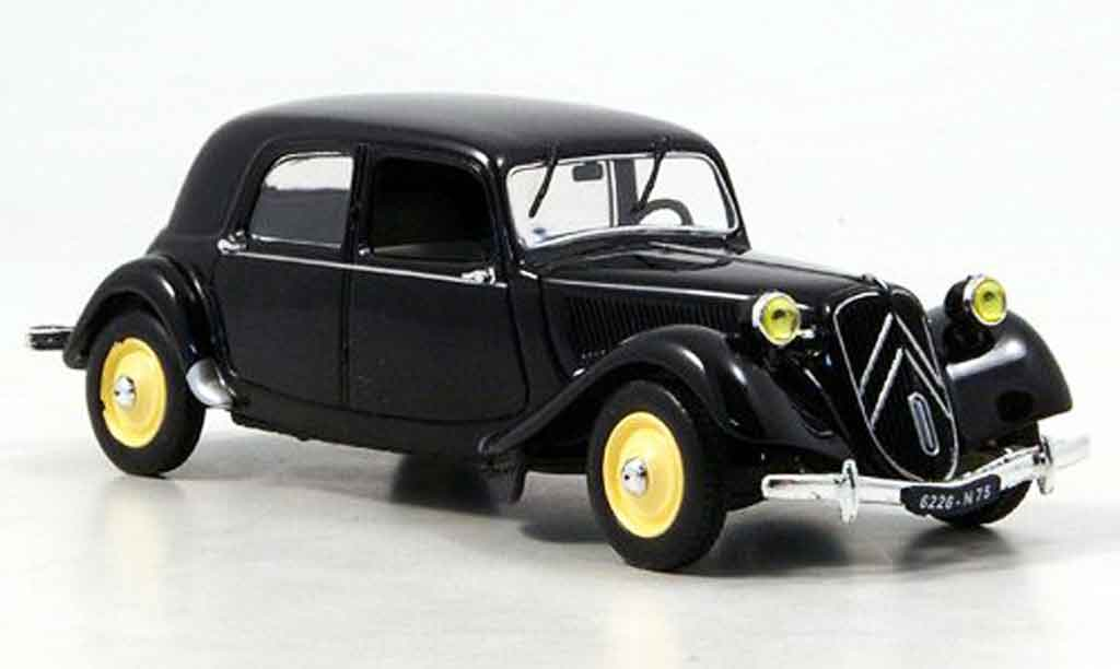 Citroen Traction 11 1/43 Eagle b noire 1950 miniature