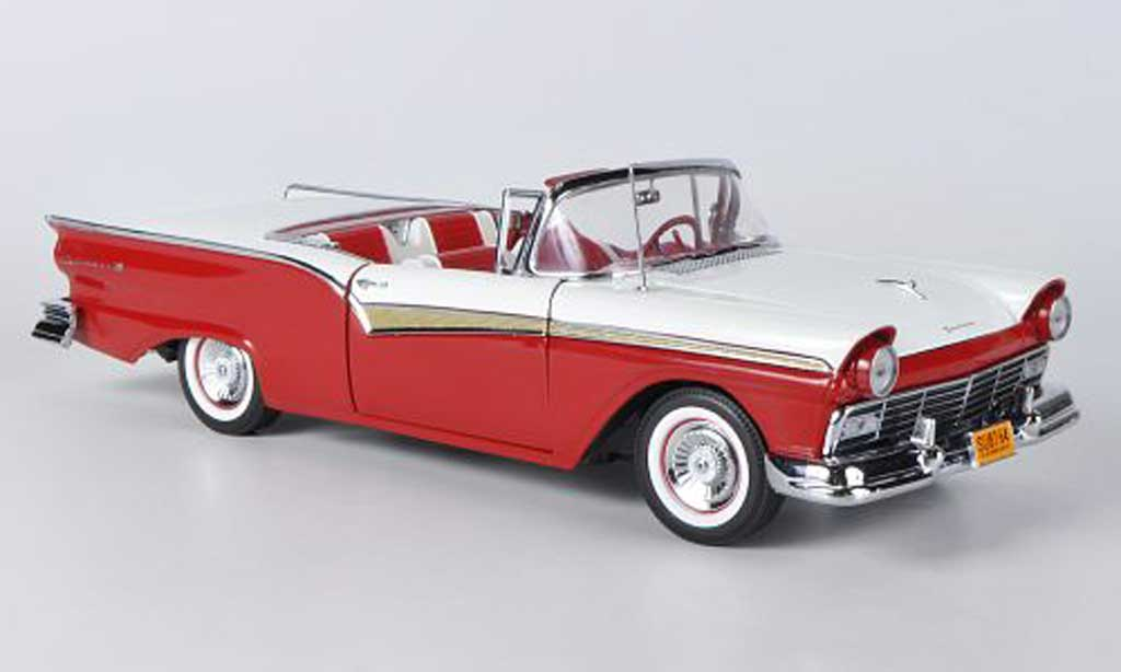 Ford Fairlane 1957 1/18 Sun Star 500 Skyliner rouge/blanche miniature