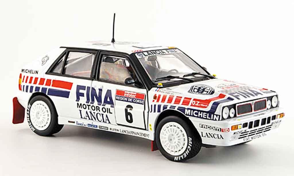 Lancia Delta HF Integrale 1/18 Sun Star 16v no.6 tour de corse 1990 miniature