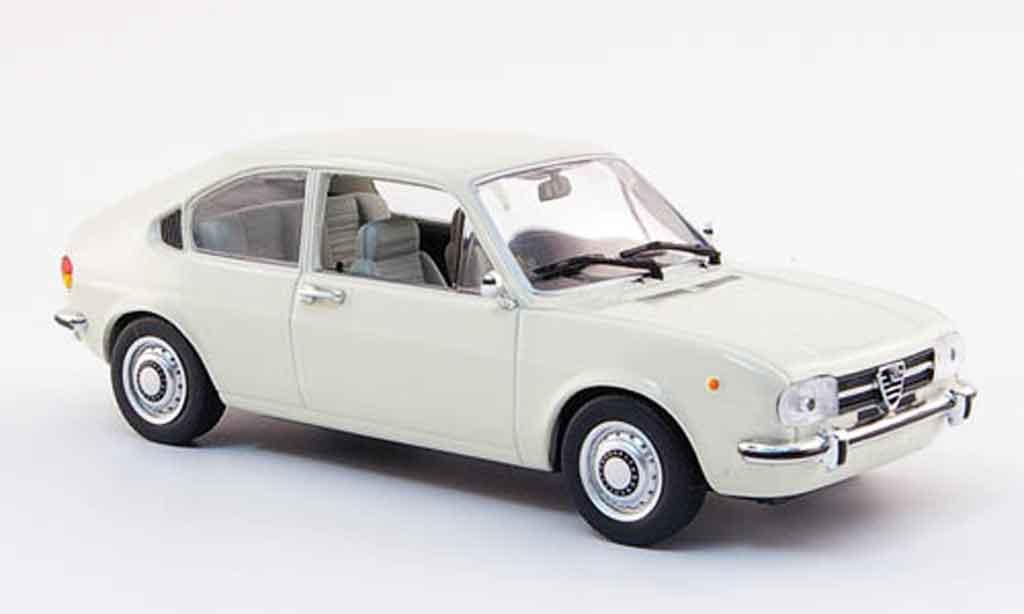 Alfa Romeo Alfasud 1/43 Minichamps blanche 1972 miniature