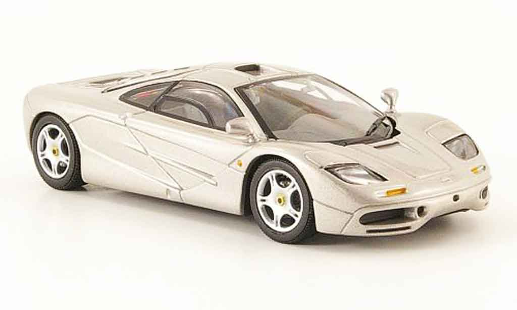 McLaren F1 1/43 Minichamps grise metallisee Road Car