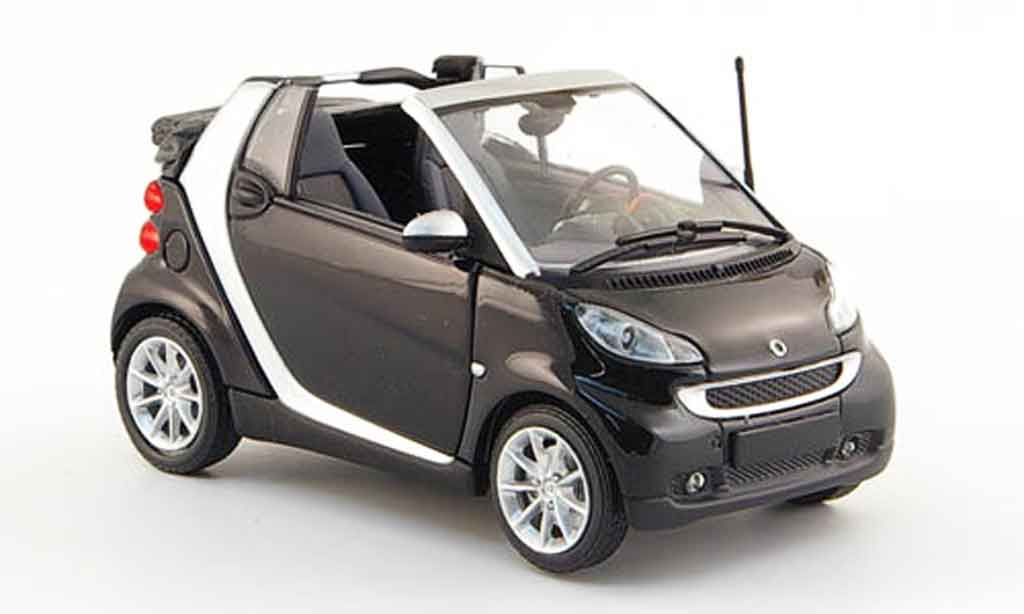 smart fortwo cabriolet schwarz 2007 minichamps modellauto 1 43 kaufen verkauf modellauto. Black Bedroom Furniture Sets. Home Design Ideas