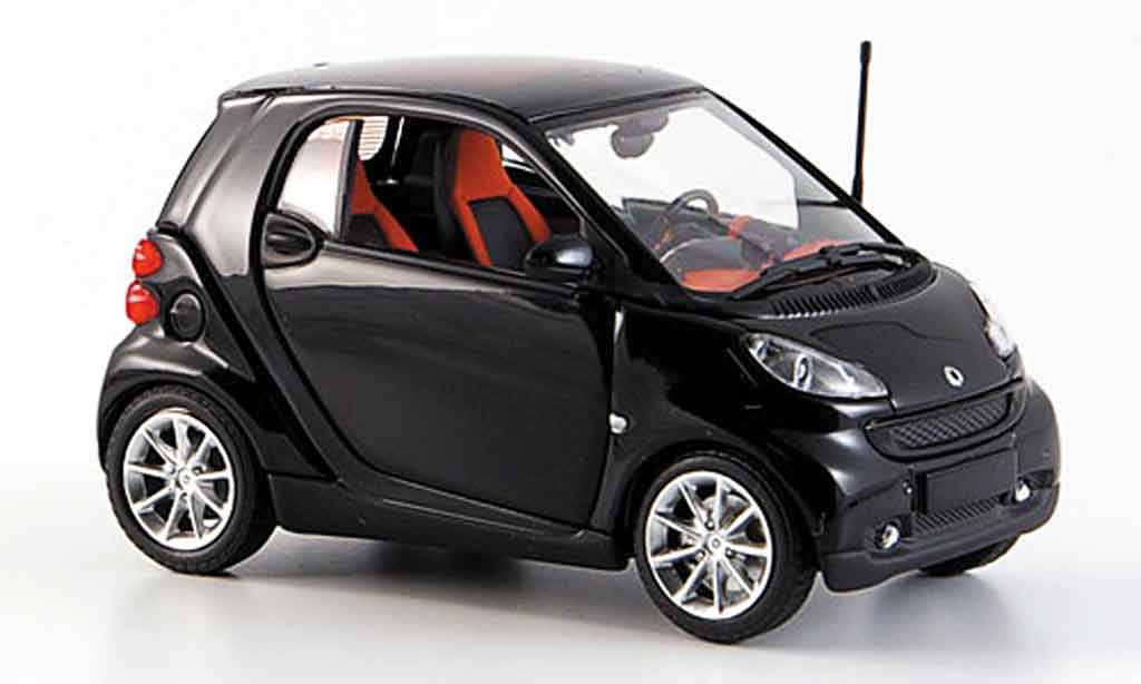 smart fortwo coupe schwarz 2007 minichamps modellauto 1 43 kaufen verkauf modellauto online. Black Bedroom Furniture Sets. Home Design Ideas