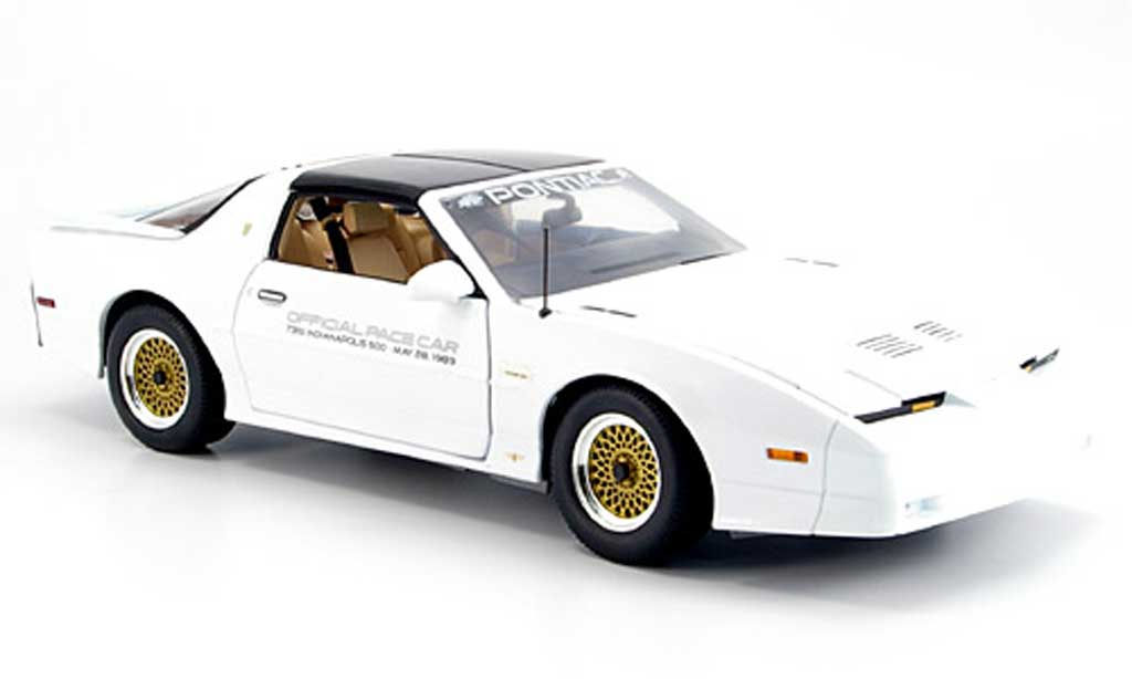 Miniature Pontiac Trans Am gta indy 500 pace car 1989 Greenlight. Pontiac Trans Am gta indy 500 pace car 1989 Indy miniature 1/18