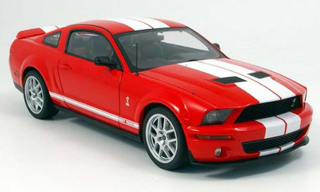 Shelby GT 500 1/18 Autoart rouge/blanche miniature