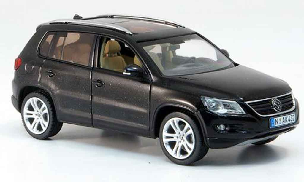 volkswagen tiguan miniature noire schuco 1 43 voiture. Black Bedroom Furniture Sets. Home Design Ideas
