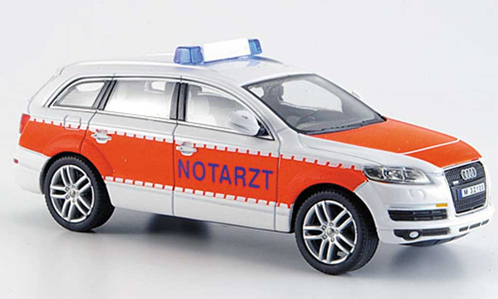 Audi Q7 1/43 Schuco Junior medecin miniature