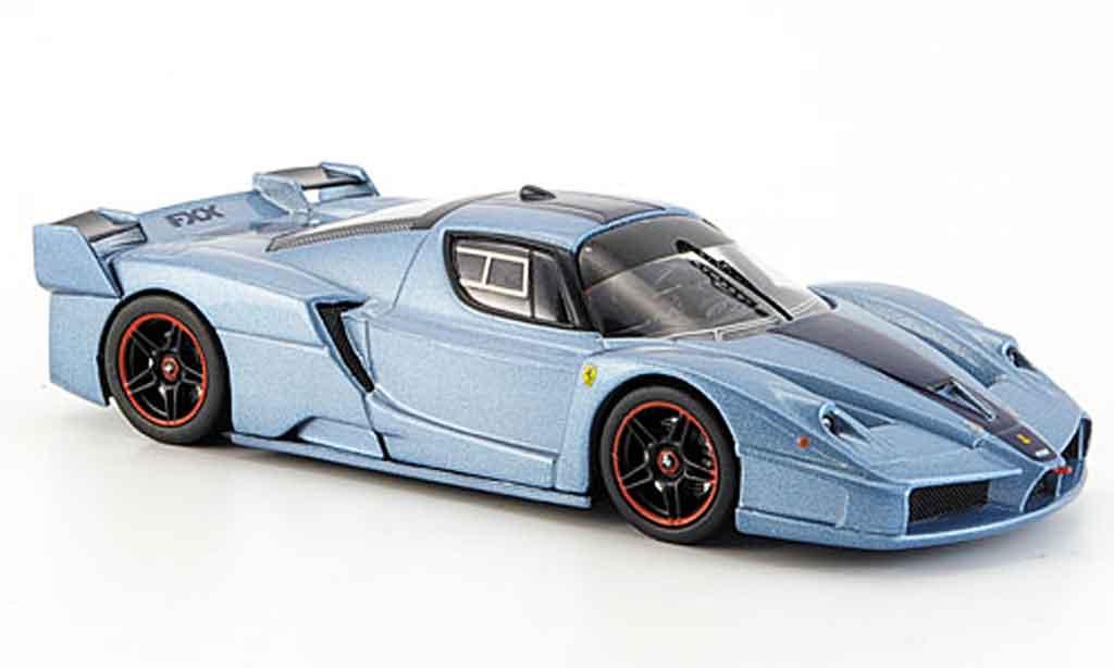 Ferrari Enzo FXX 1/43 Hot Wheels Elite bleugrise avec bleuem streifen miniature