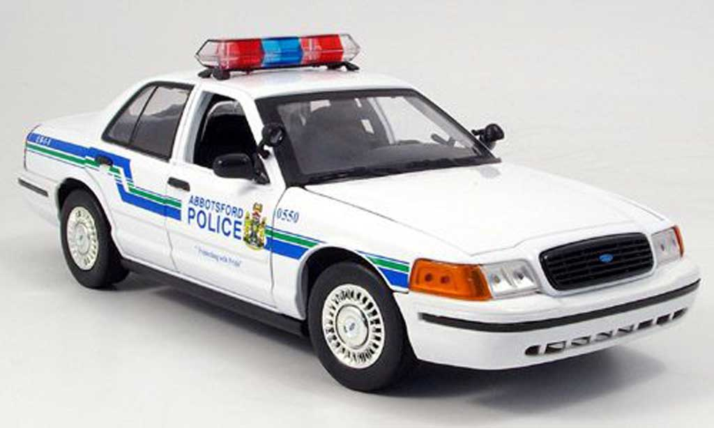 ford crown victoria polizei abbots 2001 motormax. Black Bedroom Furniture Sets. Home Design Ideas