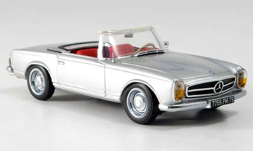 Mercedes 230 1/43 IXO 230 SL (W113) grise metallisee geoffnetes Verdeck miniature