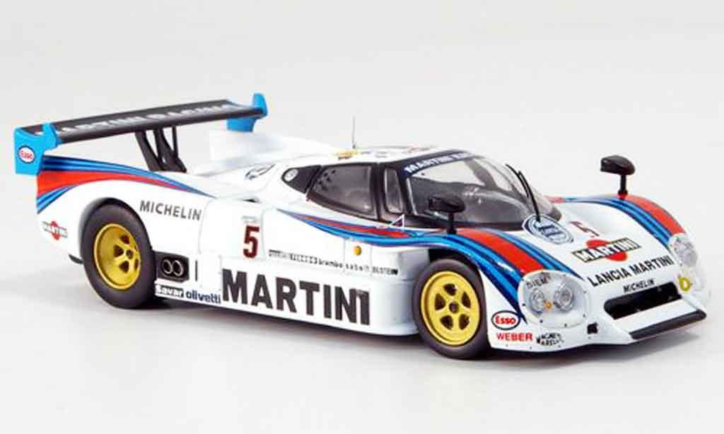 Lancia LC2 1/43 IXO no.5 martini le mans 1985 miniature