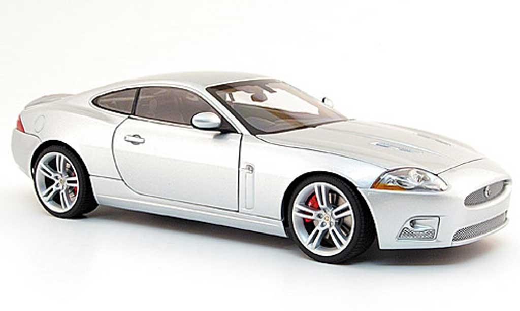 Jaguar XKR R coupe 1/18 Autoart grise rechtslenker (rhd) miniature