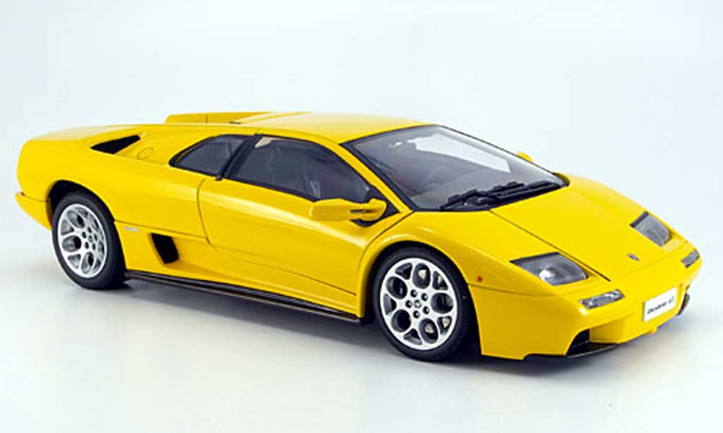 lamborghini diablo 6 0 yellow autoart diecast model car 1 18 buy sell diecast car on. Black Bedroom Furniture Sets. Home Design Ideas